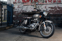 Royal Enfield Classic 500 Dark